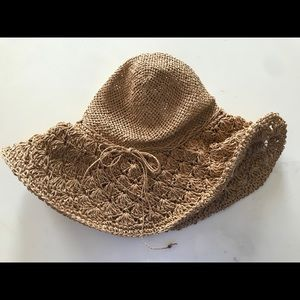 American Eagle Outfitter straw beach hat